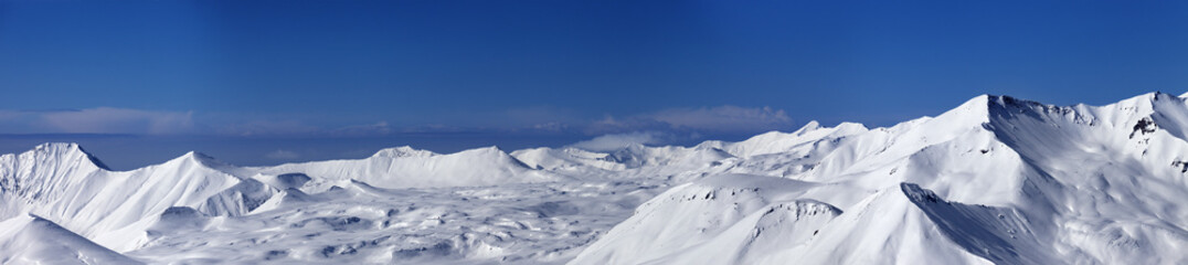 Panoramic view on snowy plateau and slopes for freeriding at nic