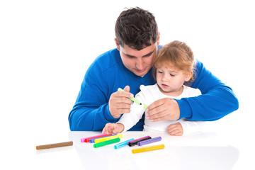 Familie: Vater mit Tochter kreativ - isoliert auf weiß