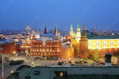: Night view of the Historical Museum and the Kremlin