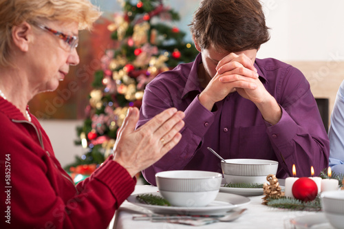 Prayer before christmas dinner