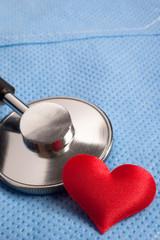 stetoscopio e cuore