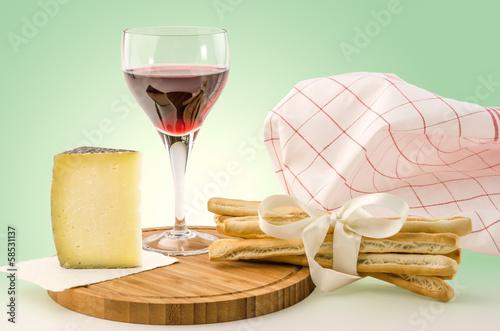Weinglas mit Grissini 2
