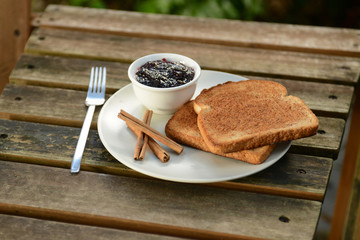 toast with cinnamon and jam