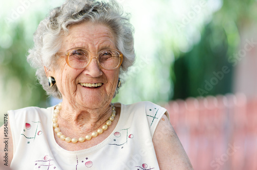 Leinwanddruck Bild elderly woman