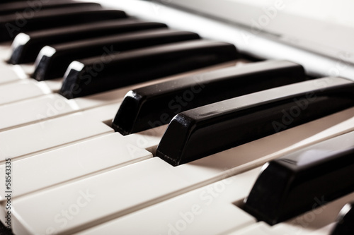 Piano keyboard detail © Minerva Studio