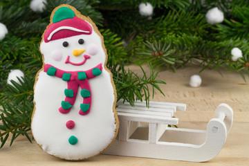 Lebkuchen Schneemann mit Schlitten