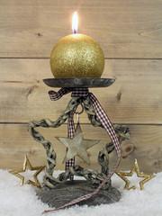 Weihnachtlicher Kerzenständer