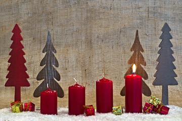 Weihnachtsdekoration zum 1. Advent, Adventskerzen
