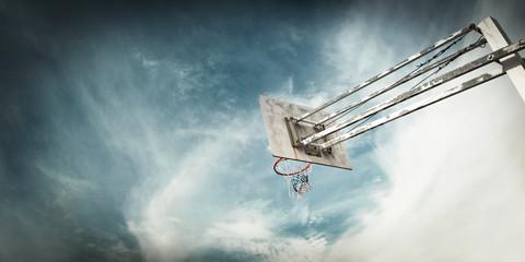 Basketball basket