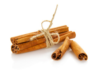 Connected sticks of cinnamon