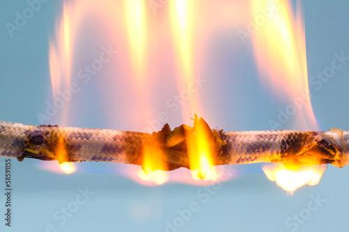 burning cable - 58591155
