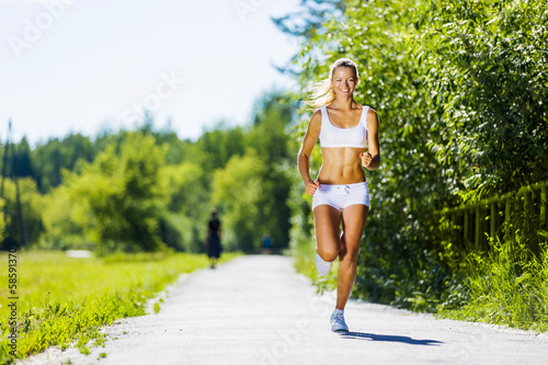 Sport girl - 58591370