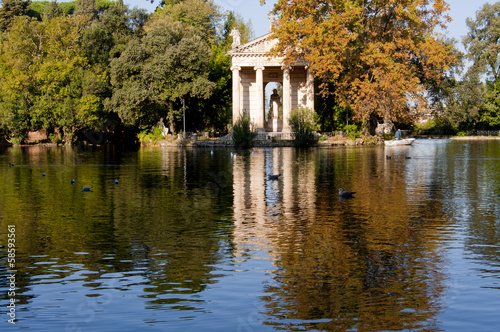 Lake Villa Borghese in Rome