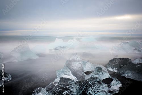 Eisskulpturen am Strand - 58602765