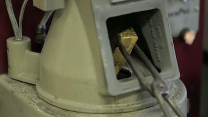 Слитки золота 04 переплав
