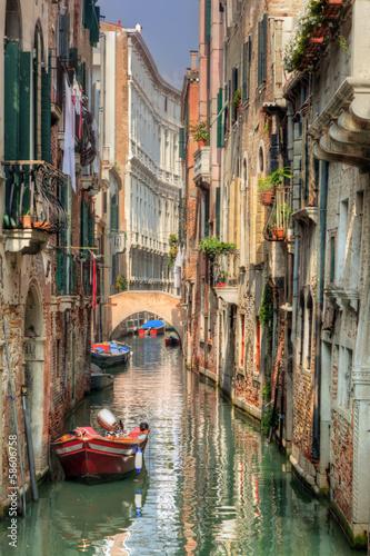 Aluminium Venetie Venice, Italy. A romantic narrow canal and bridge