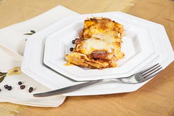 Lasagne con sugo di carne e salsiccia