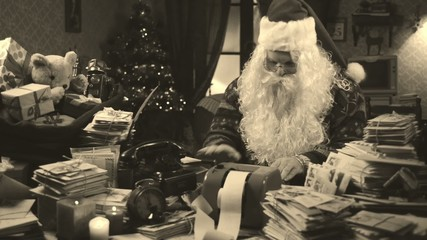 Santa Claus has problems with budget Christmas