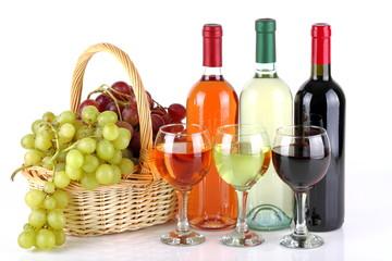 Bottiglie di vino con uva