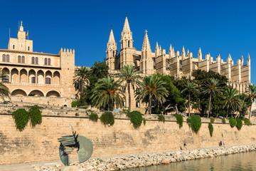 "Palast der Almudaina - Kathedrale ""La Seu"" - Palma de Mallorca"
