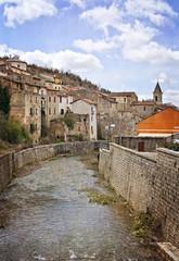 paese attraversato dal fiume
