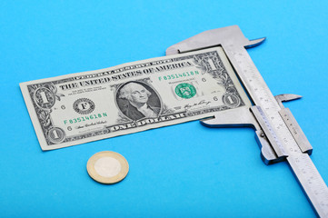 Measuring money note with vernier