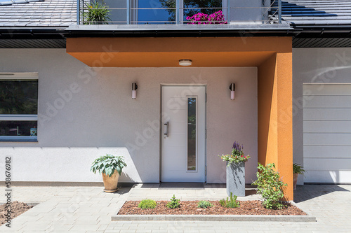 Bright space - front door