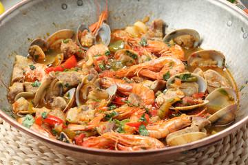 Traditional portuguse seafood dish - cataplana-