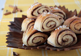 Rolls with cardamom, cinnamon and sugar