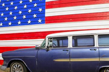 drapeau américain sur la route 66, Arizona