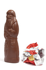 Schokoladenweihnachtsmann entledigte sich seiner Hülle