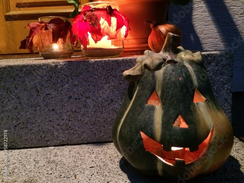 Herbstdekoration am Hauseingang