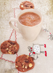 Christmas hot cocoa with chocolate cookies