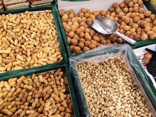 Nüsse auf dem Markt
