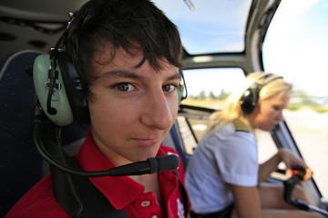 Adolescent dans hélicoptère Grand Canyon