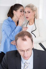 Mobbing und Schikane unter Arbeitskollegen