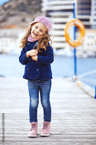 Child walking in the city