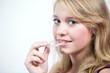canvas print picture - Jugendliche beim Einsetzen der Zahnspange
