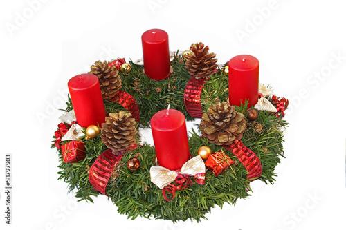 adventskranz mit kiefernzapfen schleifen und roten. Black Bedroom Furniture Sets. Home Design Ideas