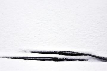 verschneite frontscheibe