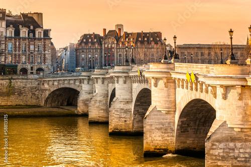 Pont neuf, Ile de la Cite, Paris - France © Luciano Mortula-LGM