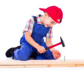Little carpenter nailing