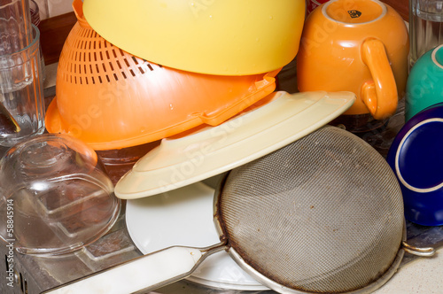 Plates, Dishes and Cups Drying