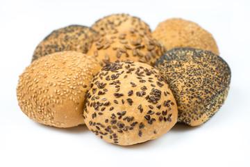 Varietà di pane isolato su bianco