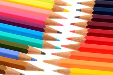 Pastelli isolati su sfondo bianco