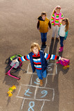 Fototapety Friends jump on drawed hopscotch