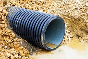 Rohr für Abwasser auf einer Baustelle