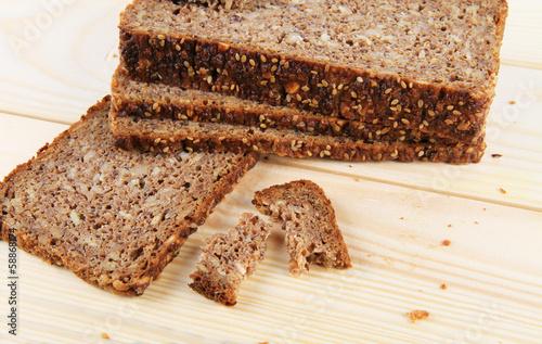 Pane di segale con varie semi