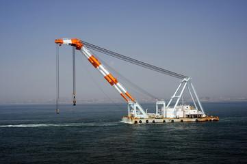Floating crane-1
