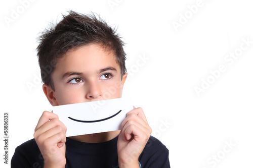 bambino con disegno sorriso